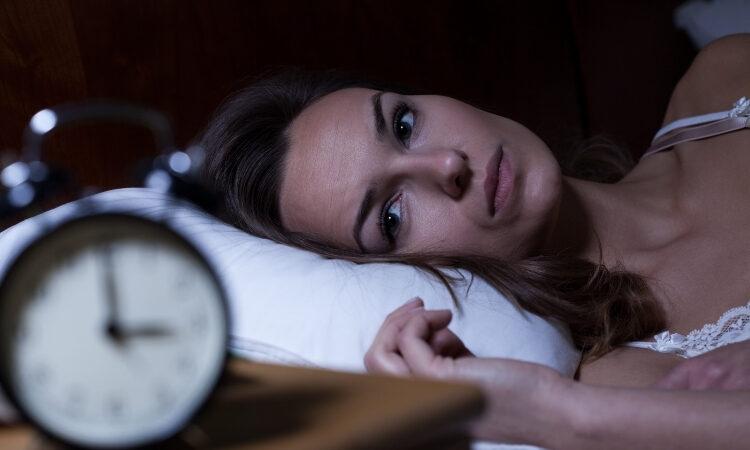 dormire meno di 8 ore