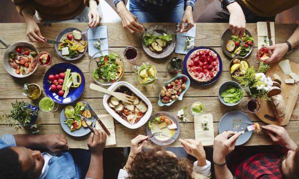 la convivialità è un aspetto importante dell'alimentazione